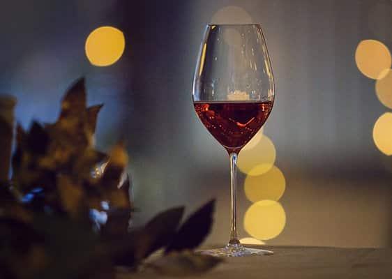 Glass of Oastbrook Sparkling Ros? with sparkling lights